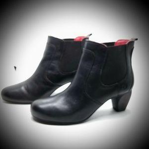 Josef Seibel black ankle boots size 8 us